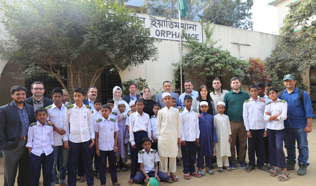 Milletvekillerinden Arakanlı Müslümanların kamplarına ziyaret