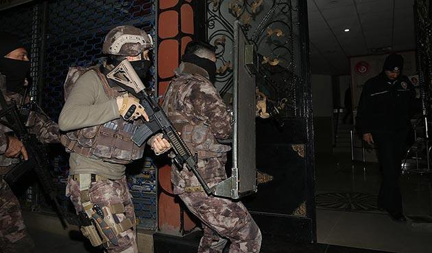 Furkan Eğitim ve Hizmet Vakfı'na operasyonda 21 kişiye gözaltı