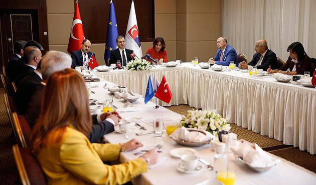 AB Bakanı Çelik'ten 'vize serbestisi' açıklaması