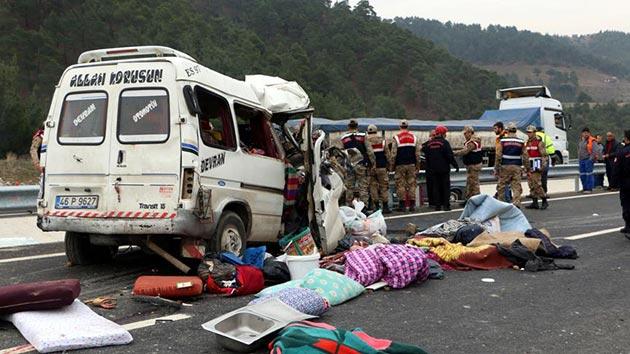 Kahramanmaraş'ta katliam gibi kazada aynı aileden 9 kişi öldü