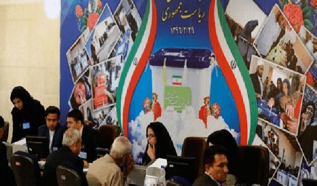 İran'da 'referandum' çağrısı