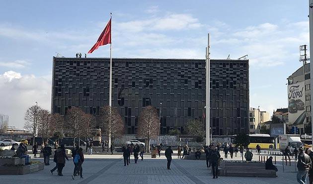 Atatürk Kültür Merkezi'nin yıkımı için ruhsat verildi
