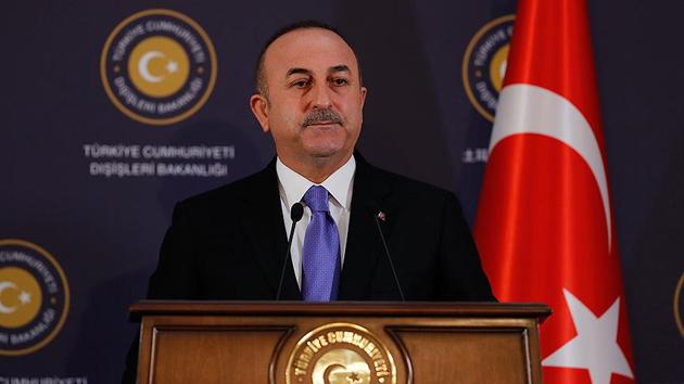 Çavuşoğlu'ndan moderatörün 'Türkler Kürtlere karşı' ifadesine tepki