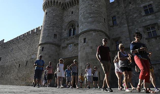 İzmir'den 'rekor' Yunanistan vizesi