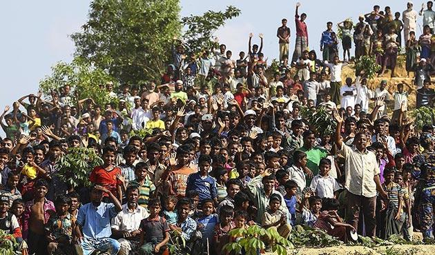 Bangladeş'e sığınan Arakanlı Müslümanların sayısı 700 bine yaklaştı