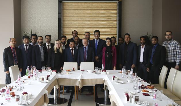 Arakanlı Müslüman gazetecilere Türkiye'de medya eğitimi