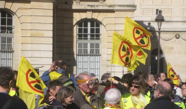 Fransa'da nükleer atık deposu karşıtlarına operasyon