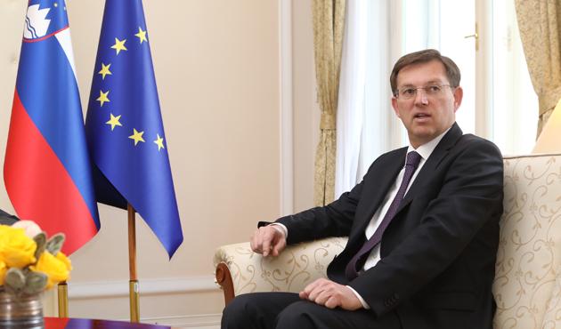 Slovenya Başbakanı Cerar'dan istifa