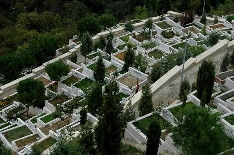 İstanbul'da en pahalı mezar yeri 25 bin lira