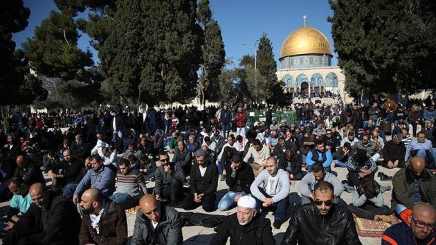 Filistinlilere 'Mescid-i Aksa'da Cuma namazı' çağrısı