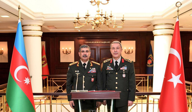 Azerbaycan Savunma Bakanından Orgeneral Akar'a ziyaret