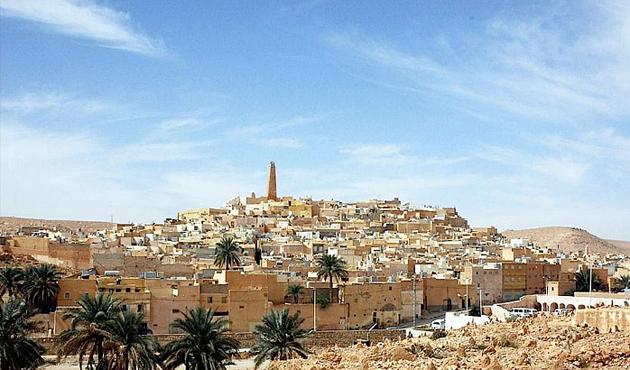 Fas Kralı'ndan Cezayir'e suçlama