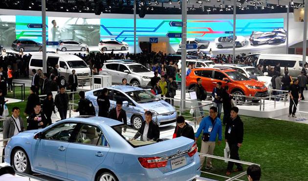 Çin, otomobil ithalatında vergiyi azaltıyor