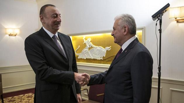 Başbakan Yıldırım'dan Aliyev'e tebrik telefonu