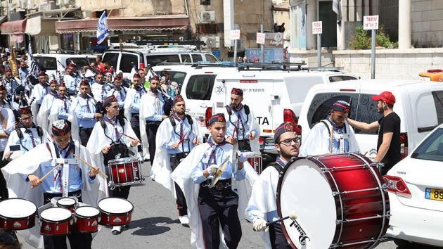 Filistinliler Miraç Kandili'nde Mescid-i Aksa'ya yürüdü