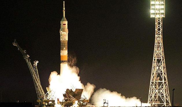 Rusya, Baykonur uzay üssünden askeri uydu fırlattı