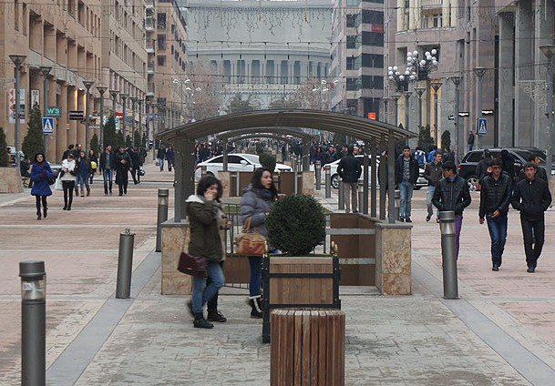 Ermenistan ekonomisi batakta