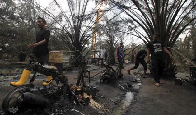 Endonezya'da kaçak petrol kuyusunda patlama: 18 ölü