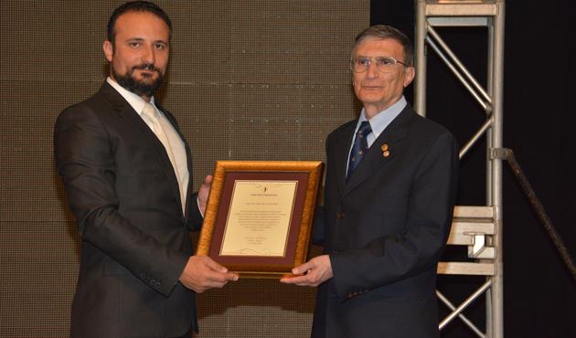KKTC'de Aziz Sancar'a onur ödülü