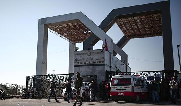Refah Sınır Kapısı 'istisnai durumlar' için geçici olarak açıldı