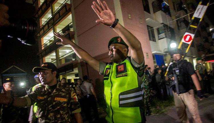 Endonezya'da polis merkezine bombalı saldırı: 4 ölü