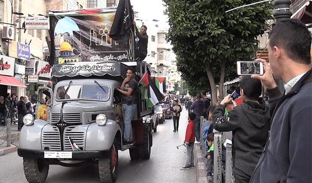Ramallah'ta 70 yıl önceki Nekbe tanığı otobüsler protestoda