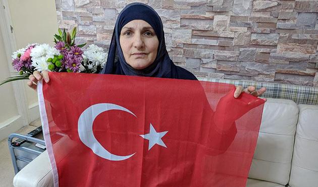 Londra'da Türk bayrağını PKK'lılara vermeyen kadın: Bayrak namustur