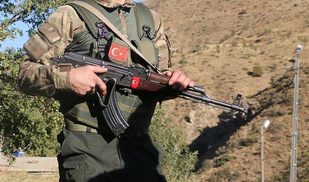 Hakkari'de bombalı terör saldırısı: 2 şehit