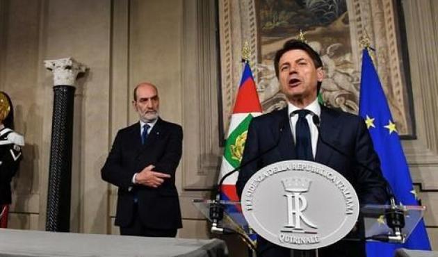 İtalya'da siyasi kriz derinleşiyor