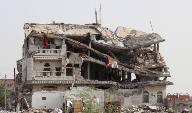 Yemen'de Husilerin kalesinde çatışma: 30 ölü