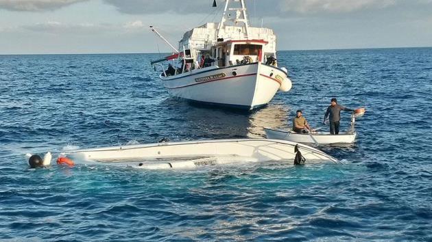 Tunus'ta kaçak göçmenleri taşıyan tekne battı: 35 ölü