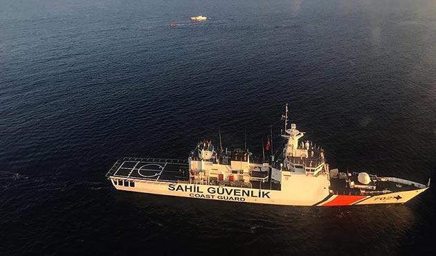 Antalya'da göçmenleri taşıyan tekne battı: 9 ölü