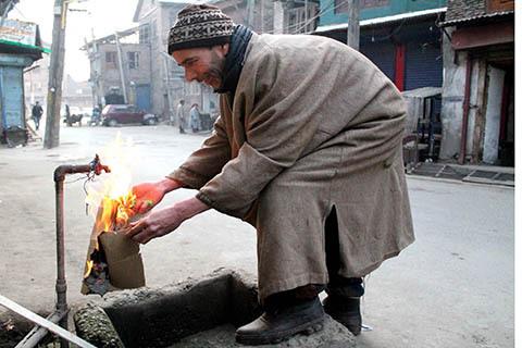 Keşmir'de su sıkıntısı hayatı zorlaştırıyor