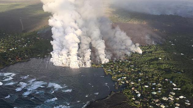 Kilauea Yanardağı Hawaii'de yeni karalar ortaya çıkardı