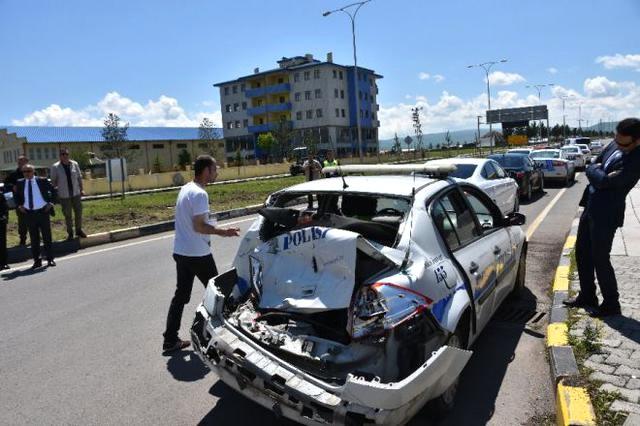 Başbakanın koruma ekibi Kars'ta kaza yaptı