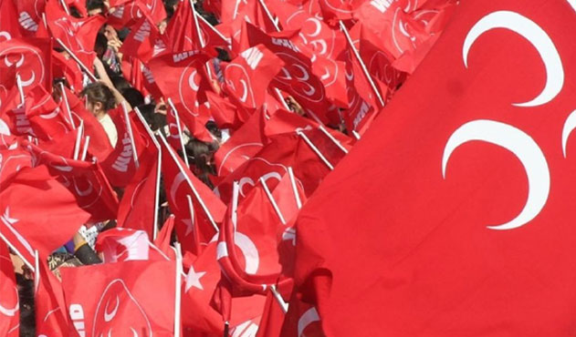 MHP'de davullu zurnalı kutlamalar başladı