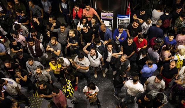 CHP'de kafa karışıklığı: İsyan mı etsek kabullensek mi?