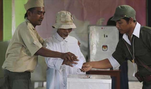Endonezya'da yerel seçimler yarın