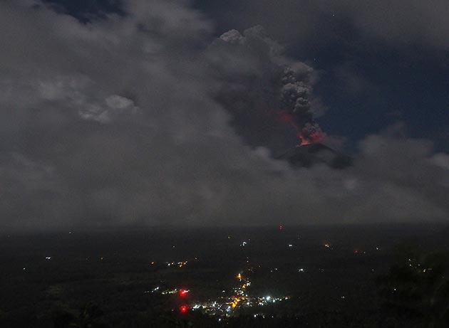 Bali'de Agung Yanardağı alarmı
