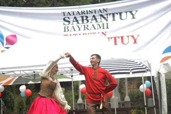 Tatar bayramı Sabantuy İstanbul'da kutlandı