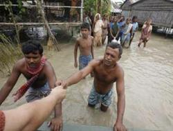 Bangladeş'te bilanço ağırlaşıyor: 405 ölü
