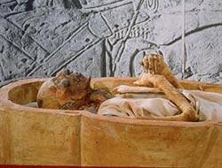 Firavun cinayete kurban gitmiş
