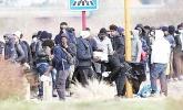 Fransa'da düzensiz göçmenler hayata tutunmaya...