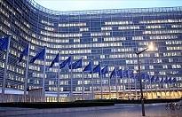 AB Komisyonu, üyeleri Kovid-19 tedbirlerine uyulması için uyardı