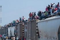 Binlerce göçmen Meksika'da sıkıştı
