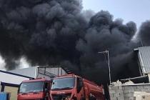 Irak'ın en büyük alışveriş merkezinde yangın: Çok sayıda Türk firma da var!