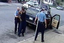 Amerikan polisine tepkiler büyüyor.. Halk mağazaları talan etti