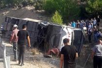 Mersin'de otobüs devrildi.. 5 asker şehit