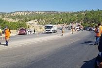 Milli Savunma Bakanı Akar,  askerleri taşıyan otobüsün devrildiği ilçeye gidiyor