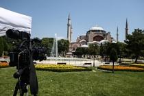 Yabancı basın Ayasofya için Sultanahmet Meydanı'na kamp kurdu